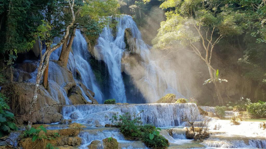 The majestic Kuang Si Falls