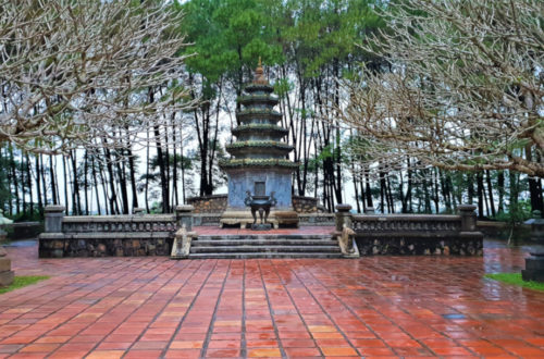 Temple of Stratum Bodhisattva and Temple of Relatives