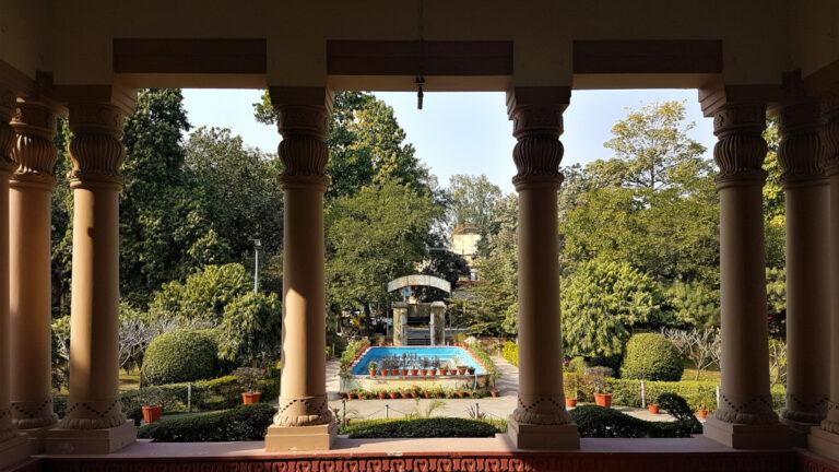 Benaras Hindu University Museum garden