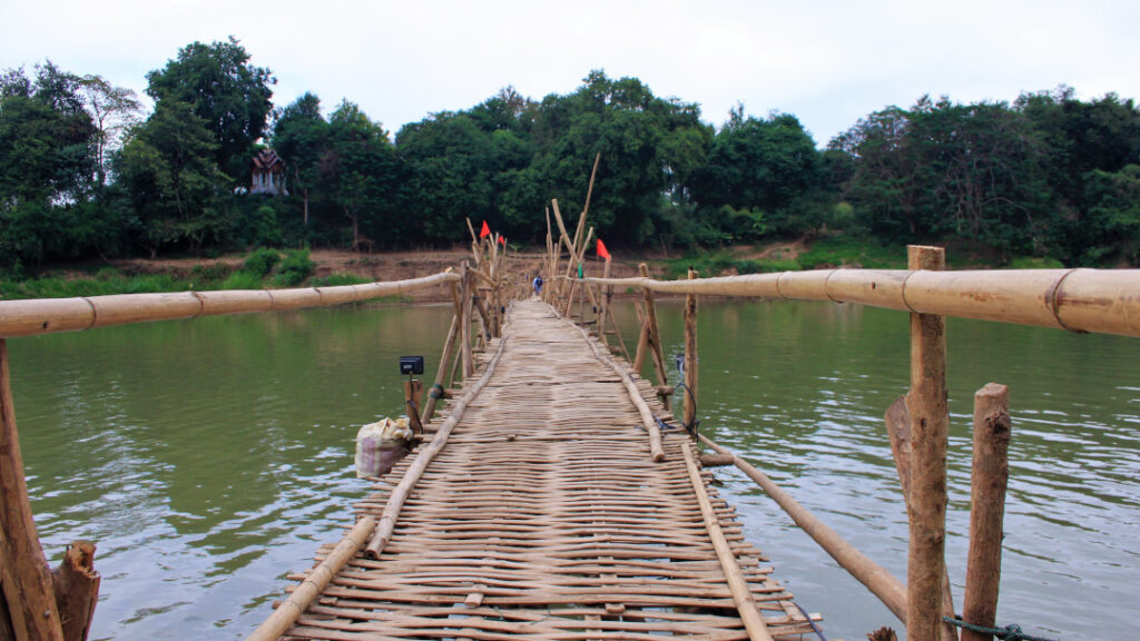 The view of the other side on the bamboo bridge