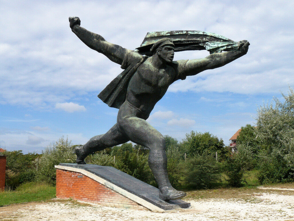 The Endless Parade of Liberation statues at Memento Park