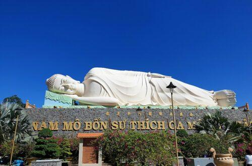 Reclining Buddha at Vinh Tranh pagoda