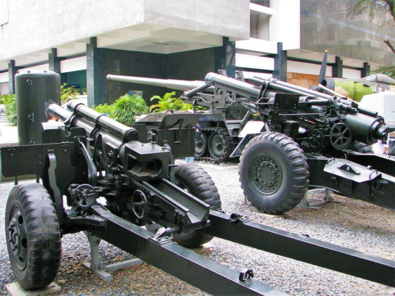 Artillery guns at the War Remnants museum