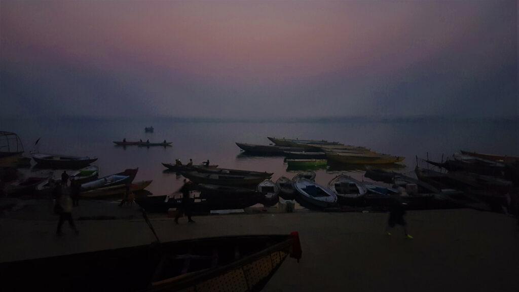 Break of dawn at Manmandir Ghat