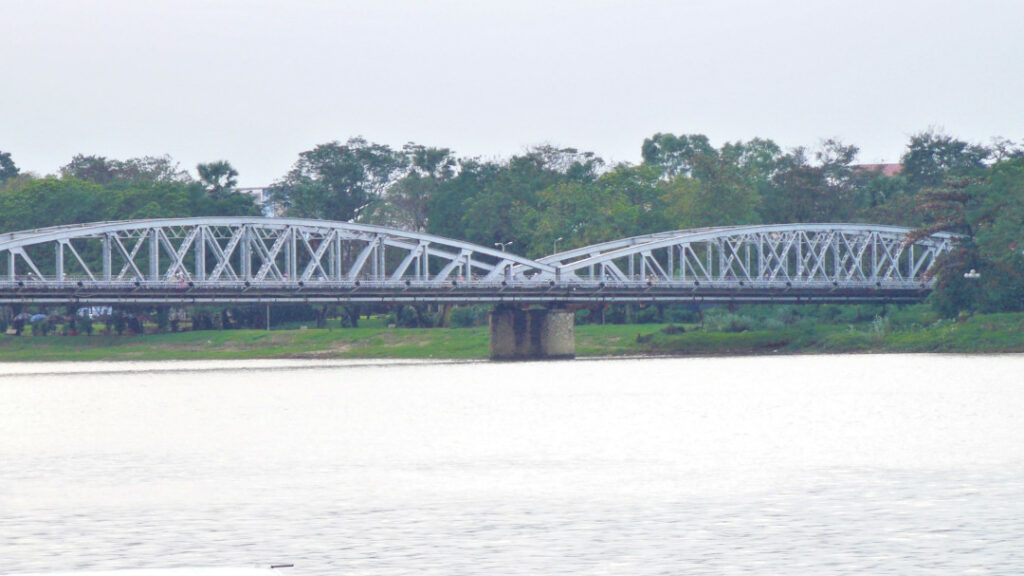 Truong Tien Bridge across the Huong River