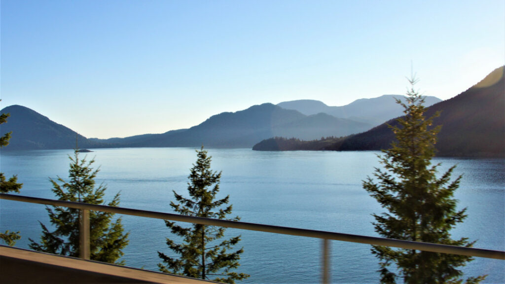 Views of Howe Sound on the Sea-to-Sky corridor