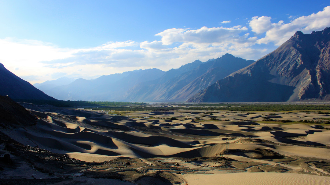 The sand dunes of Hunder