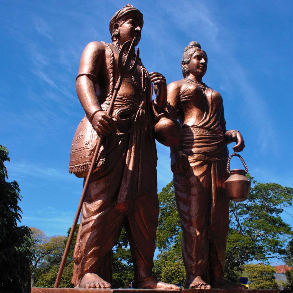 Statue of Prince Dantha and Princess Hemamali